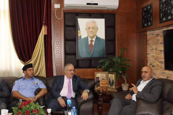 وزير النقل والمواصلات يواصل زياراته الميدانية ويتوجه لمحافظة جنين