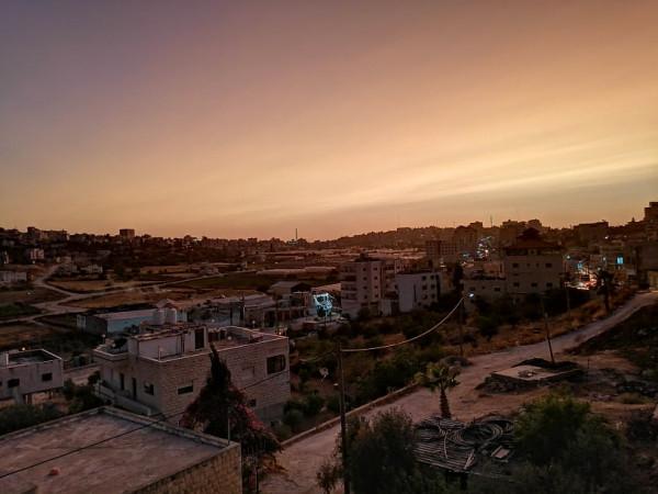 ما سبب احمرار السماء بفلسطين مساءً 9998982507
