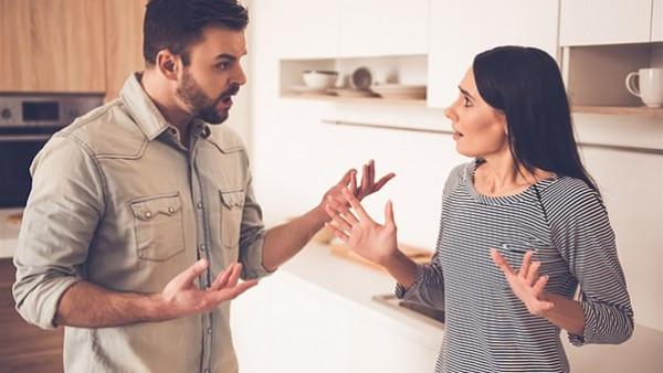 6 علامات تؤكد نرجسية زوجك