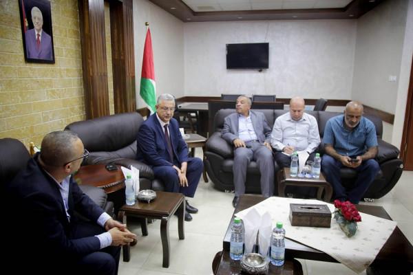 محافظ طولكرم يستقبل وزير الثقافة د. عاطف أبو سيف