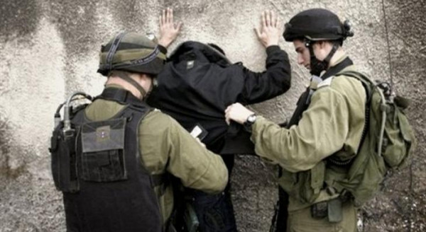 الاحتلال يعتقل شابا من الجلزون