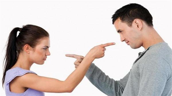الطلاق نتيجة متوقعة.. احذري الجلوس مع زوجك في هذه الأوقات