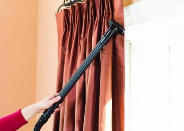 نصائح لتنظيف السجاد والستائر بسهولة في المنزل