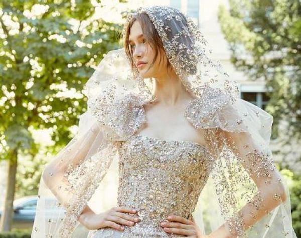 لعروس العيد.. أحدث صيحات فساتين الزفاف من أشهر مصممي الأزياء