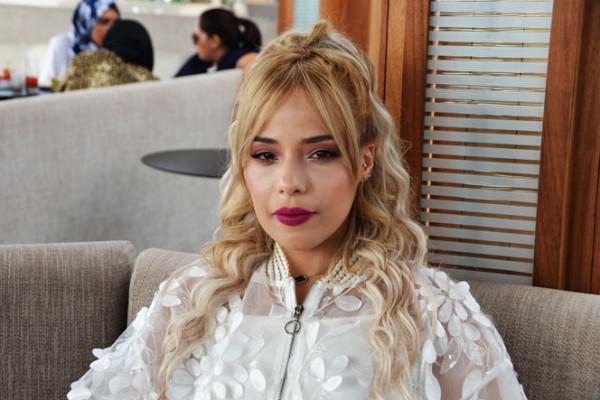 الفنانة المغربية راسيل تطلق ''أنا وقلبي''
