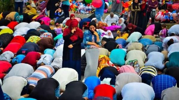 الإفتاء المصرية تُعلق على اختلاط النساء بالرجال خلال صلاة عيد الأضحى