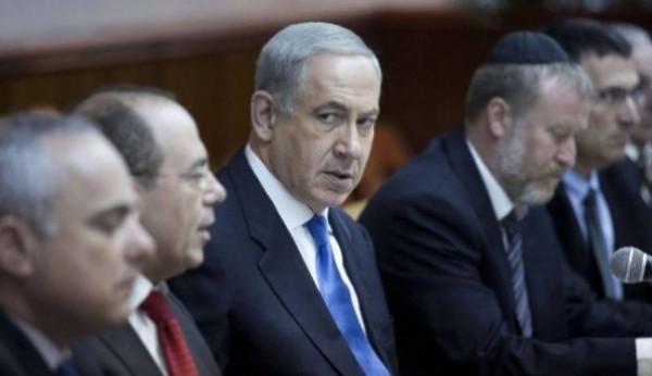 نتنياهو يُوبخ وزيراً بالليكود ويُهدده بالإقالة