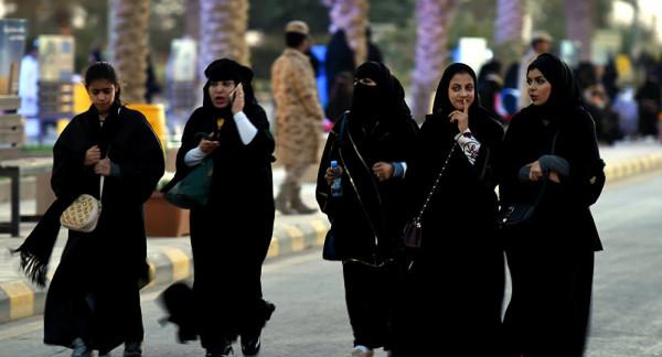 """بعد تصريح """"مُسيء للمرأة السعودية"""".. إحالة خطيب جدة لمستشار الملك سلمان"""