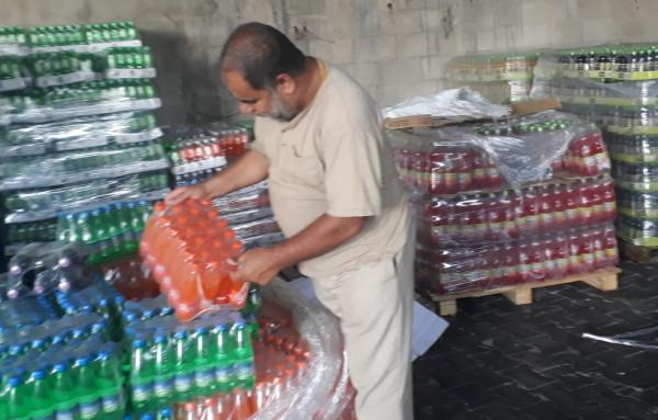 حماية المستهلك تُجري جولات على مخازن المشروبات الغذائية بغزة