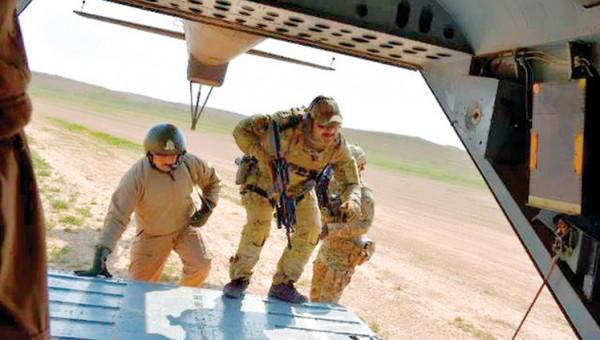 مقتل 10 عناصر من تنظيم الدولة في عملية إنزال للقوات العراقية بالأنبار
