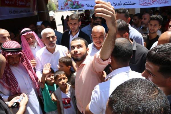 بمشاركة هنية والسنوار..صور: حماس تدشن أكبر حملة زيارات في قطاع غزة