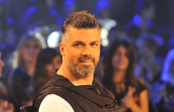 """فارس كرم يوجه رسالة إلى فنانين لبنانيين """"يا عيب الشوم عليكم"""""""
