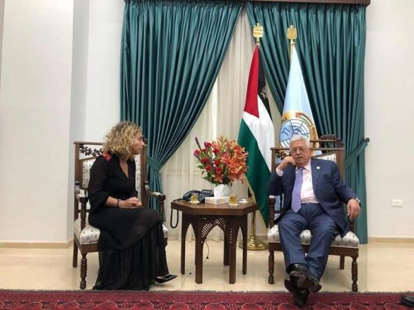 الجبهة الشعبية تشُن هجوماً حاداً على الرئيس عباس بسبب لقاءه وفد إسرائيلي