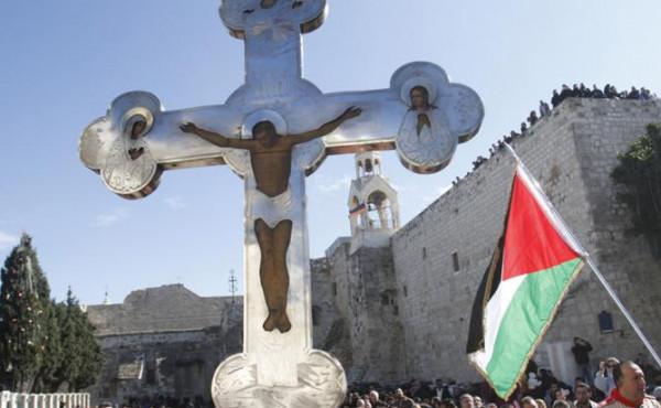 المطران حنا: المسيحيون ليسوا بضاعة مستوردة من الغرب وفلسطين مهد المسيحية