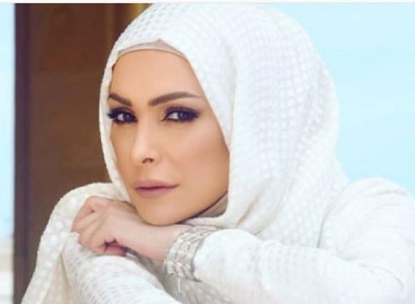 بعد أدائها فريضة الحج.. تكريم أمل حجازي في السعودية