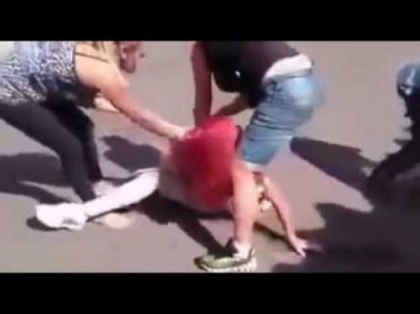 مُشاجرة بملابس غير مُحتشمة و5 رصاصات.. ثلاثة فيديوهات عنيفة تثير القلق بالأردن
