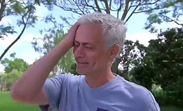 شاهد: مورينيو يبكي بسبب كرة القدم