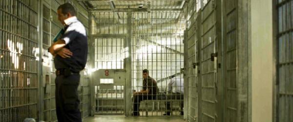 هيئة الأسرى: إدارة سجن (النقب) تُمعن بانتهاك الأسرى طبياً وتتعمد إهمالهم