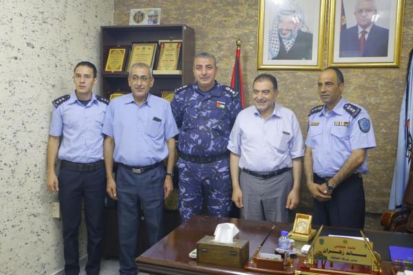 رئيس بلدية قلقيلية يهنئ مدير شرطة محافظة قلقيلية بمنصبه الجديد