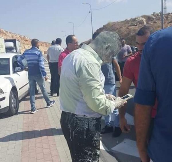 صور: الاعتداء على أمين عام المحكمة الدستورية ورشقه بالدهان