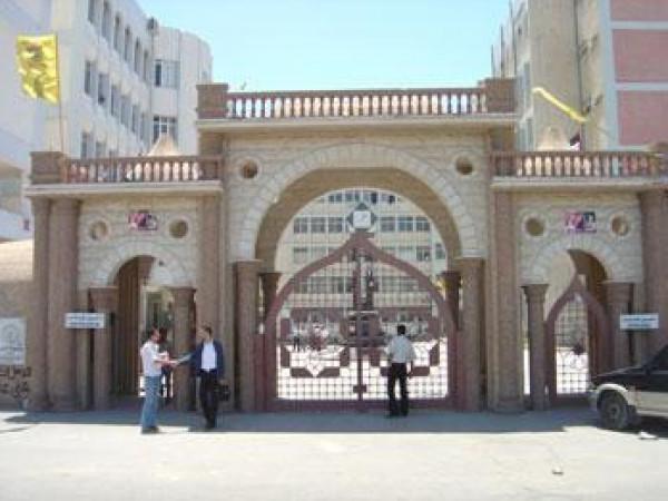 نقابة العاملين بجامعة الأزهر تُقرر إغلاقها.. والإدارة: نُهيب بالعاملين الالتزام بالعمل الأكاديمي والإداري
