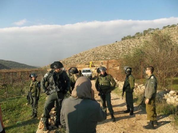 """جرافات الاحتلال تهدم خزان مياه في منطقة """"عينون"""" جنوب شرق طوباس"""