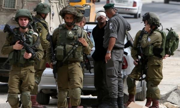 قوات الاحتلال تعتقل خمسة مواطنين من مناطق مختلفة في الضفة