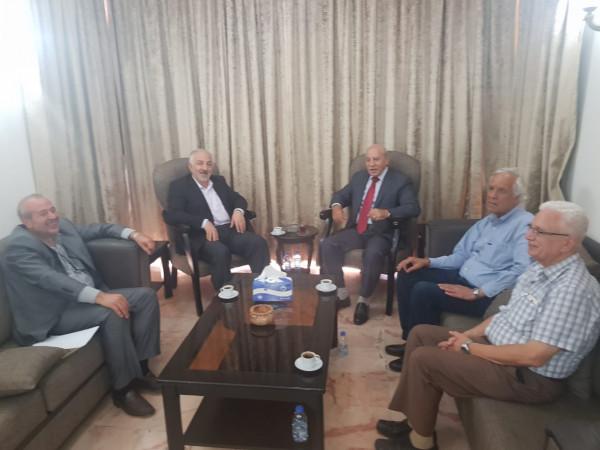 """الكشف عن تفاصيل اجتماع وفد من """"الديمقراطية"""" مع قيادة حزب الله"""