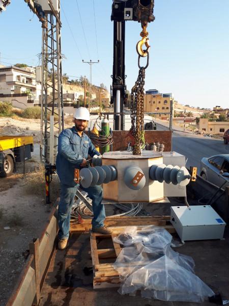 شركة كهرباء القدس تقوم بأعمال الصيانة على الشبكات الكهربائية في محافظة أريحا