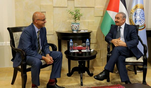 اشتية يُثمن جهود ممثل برنامج الأمم المتحدة الإنمائي في فلسطين