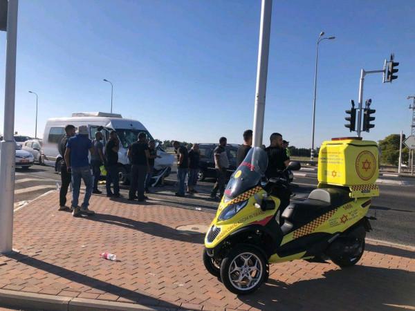 بينها خطيرة.. إصابة 14 شخصاً في حادث طرق قرب قلنسوة