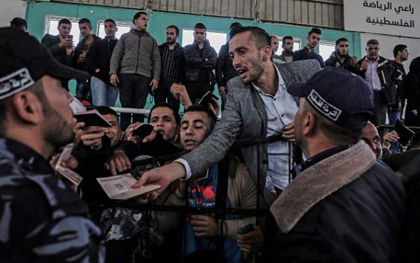 طمليه: الكل الوطني مطالب بالعمل على وقف هجرة الشباب من غزة