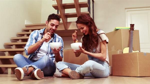 10 أشياء يفعلها الرجل تدل على رغبته في البقاء معك مدى الحياة