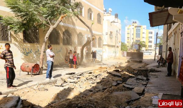 """بلدية """"خان يونس"""" تشرع بمواءمة شارعاً في حي الأمل"""