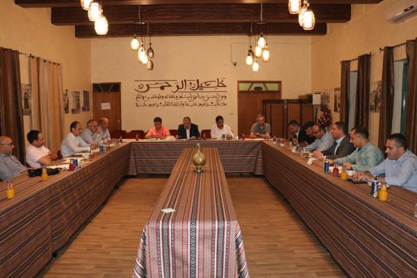 تربية جنوب الخليل تعقد اجتماعاً تربوياً قبيل  افتتاح العام الدراسي الجديد