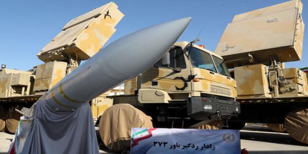"""إيران تكشف عن """"منظومة صاروخية متنقلة"""""""