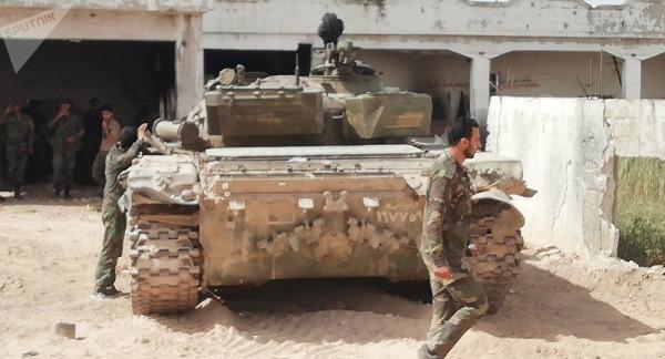 """الجيش السوري يقتحم """"مثلث الموت"""""""