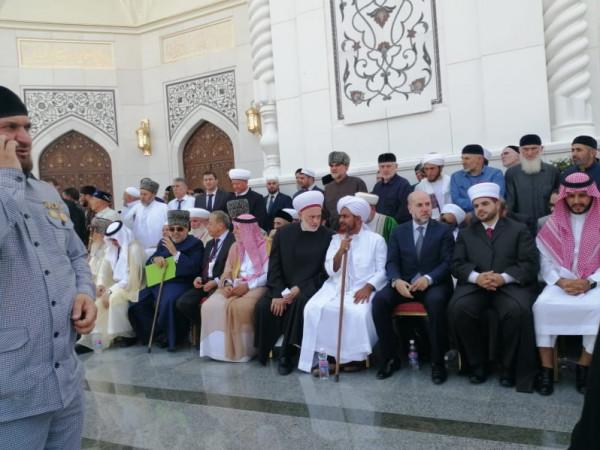 باسم الرئيس عباس.. الهباش يشارك بافتتاح أكبر مسجد في جمهورية الشيشان