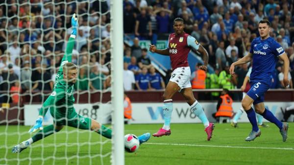 شاهد: أول فوز لأستون فيلا في الدوري الإنجليزي الممتاز
