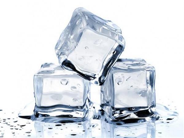 5 فوائد مذهلة لمكعبات الثلج لجمالك