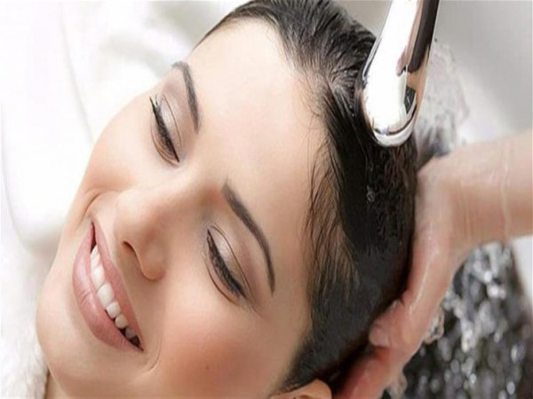 دون شامبو.. اغسلي شعرك بهذه المكونات الـ4 دون أذى