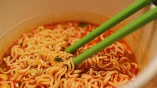 لذيذة وآمنة.. طبق الإندومي بالطريقة الصيني