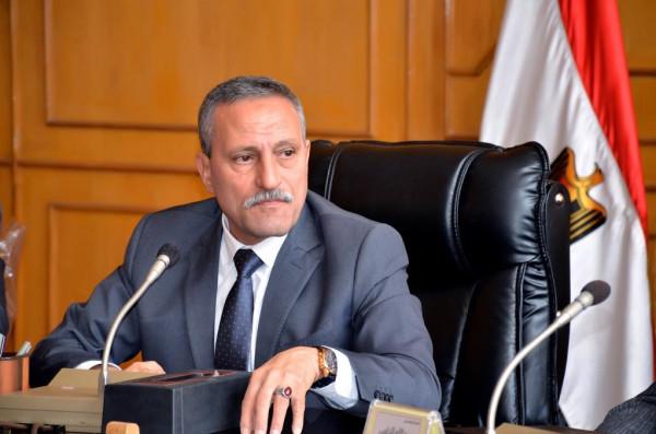 محافظ الاسماعيلية يشيد بجهود وزير الاسكان ودعمه المتواصل لاستكمال مشروعات المياه