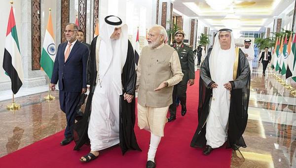 الإمارات تمنح رئيس وزراء الهند أرفع وسام مدني
