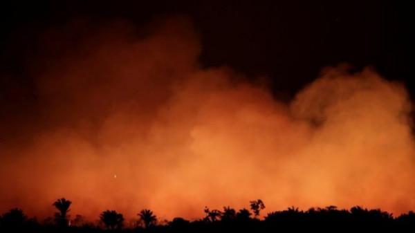 بضغوط أوروبية.. الرئيس (البرازيلي) يُعلن إرسال قوات لمواجهة حرائق الأمازون