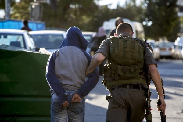 اعتقال فتى فلسطيني في مدينة البيرة بزعم محاولته تنفيذ عملية طعن