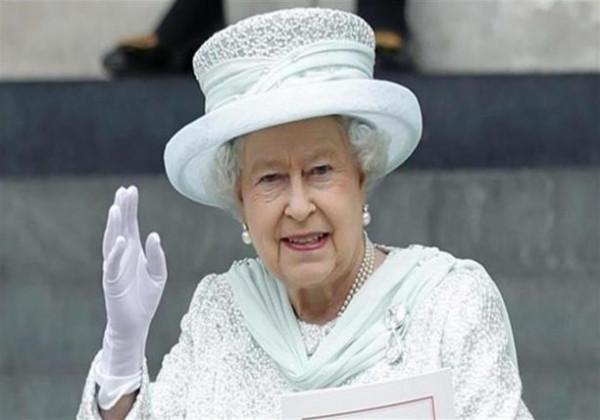 """ملكة بريطانيا تشتكي من """"مروحيات ترامب"""""""