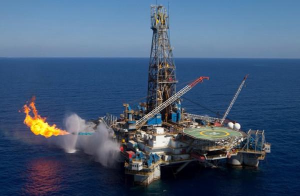 """هل تفقد قطر صدارة الغاز """"المُسال""""؟"""