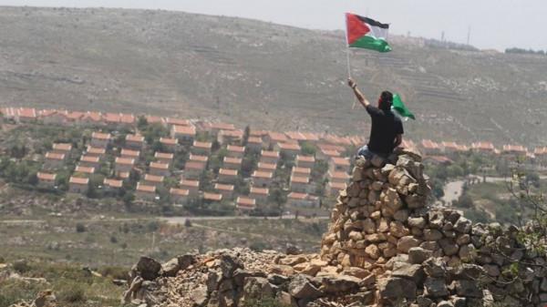 الديمقراطية: إزالة الخارجية الأميركية اسم السلطة عن خارطة فلسطين تمهد لضم الضفة