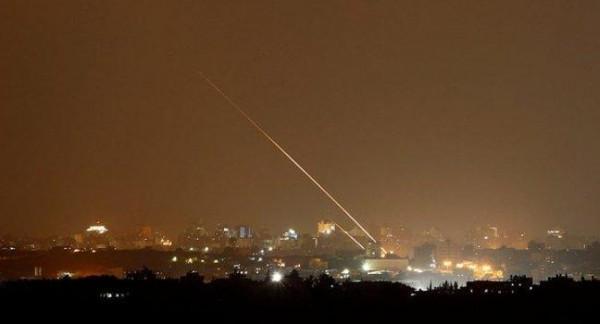 شاهد: اللحظات الأولى لسقوط الصاروخ في سيديروت قرب احتفالية للمستوطنين